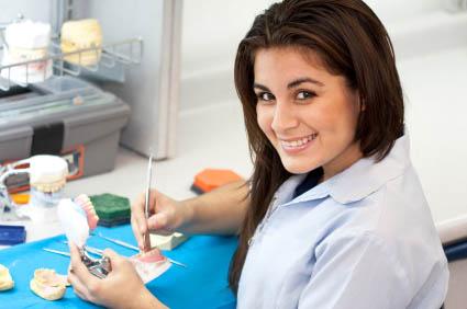 Зубные техники и зуботехнические материалы