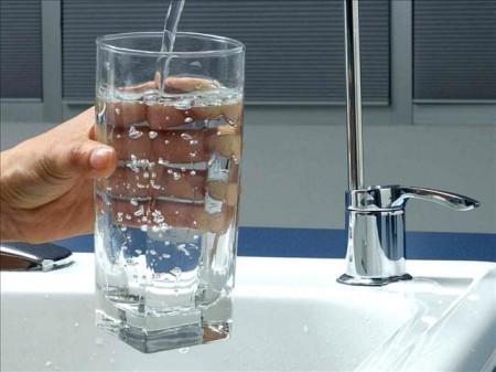 Фторирование питьевой воды снижает развитие кариеса среди взрослых