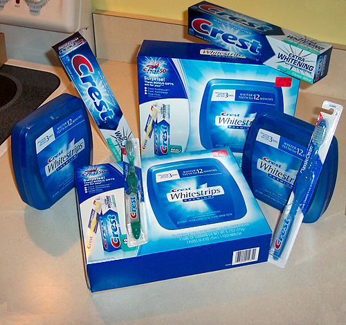 Отбеливание зубов в домашних условиях Crest Whitestrips